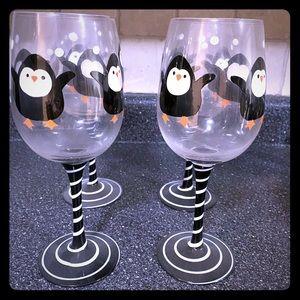 Set of 4 Penguin Wine Glasses